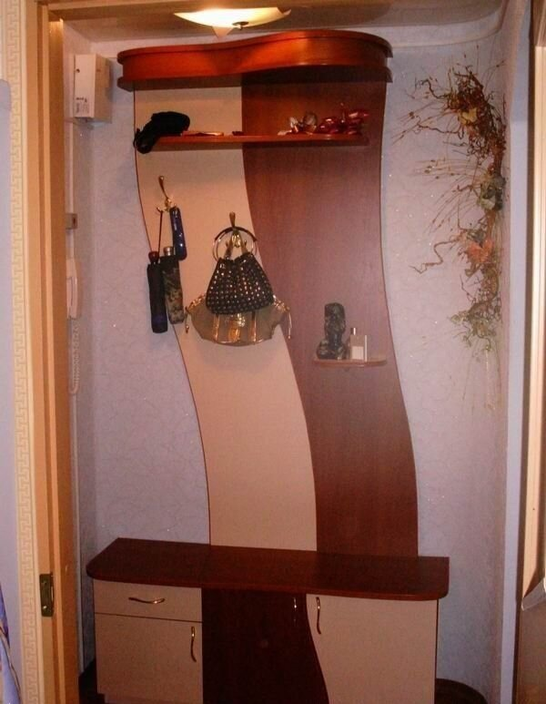 Мебель для прихожей - это первое, что встречает хозяев и гостей после входа
